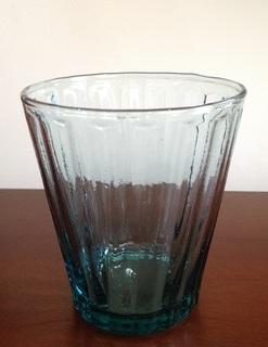 ホーチミン Govap グラス 青.JPG