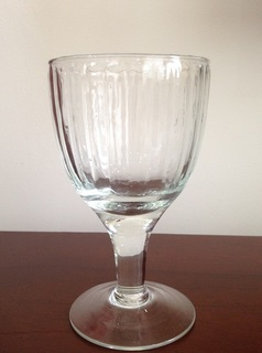 ホーチミン Govap ワイングラス.JPG